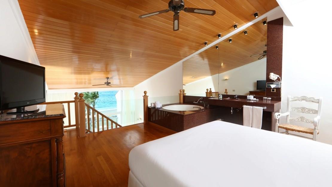 Junior Sea-view Duplex Suite