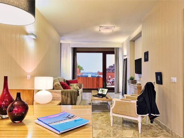 Front Sea View Terrace Suite