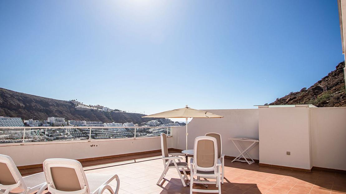 Sunsuite Royal Apartment