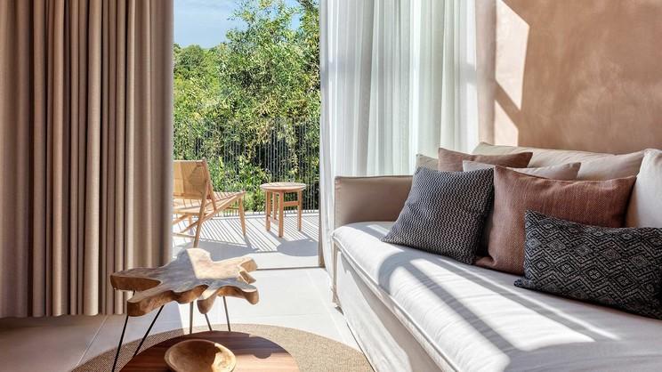 Tropical Open Plan Suite