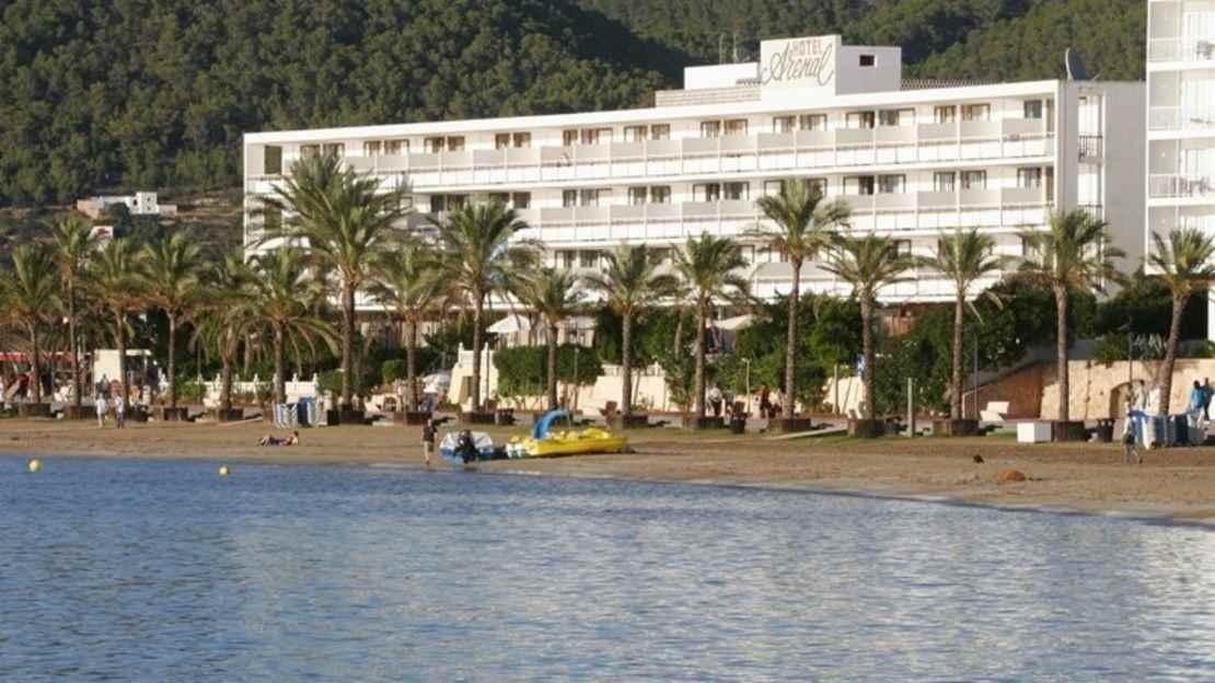 Arenal Hotel - San Antonio Bay