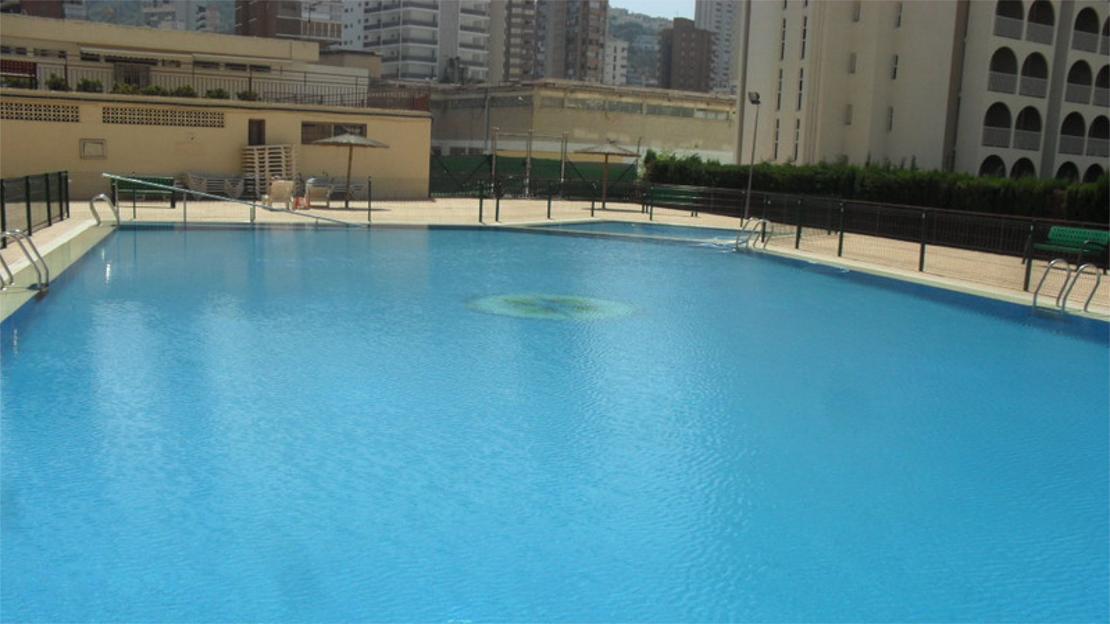 Acuarium ii apartments benidorm holidays 2019 2020 - Swimming pool repairs costa blanca ...