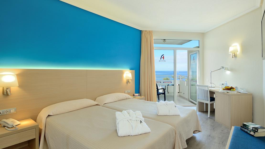 Club Alexandre Room