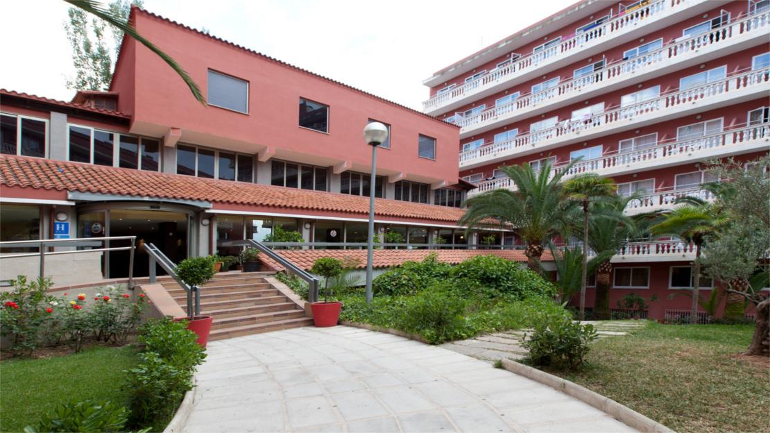 Exterior of Seramar Hotel Luna - Luna Park