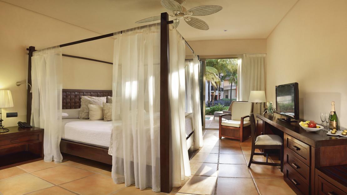 Privileged Honeymoon Room