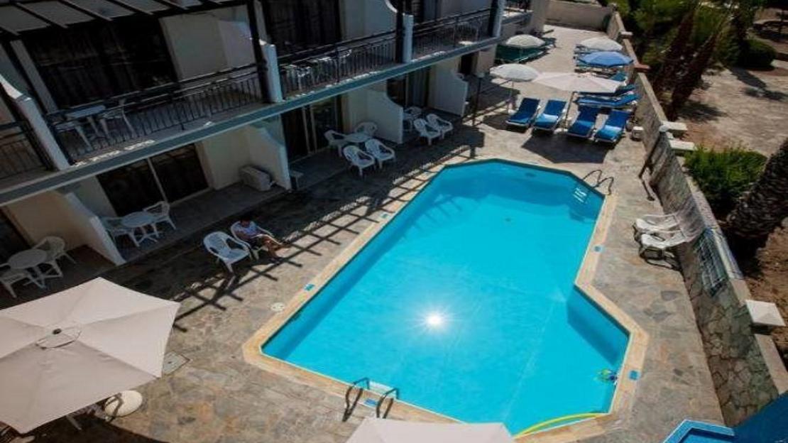 Crystallo Apartments - Paphos