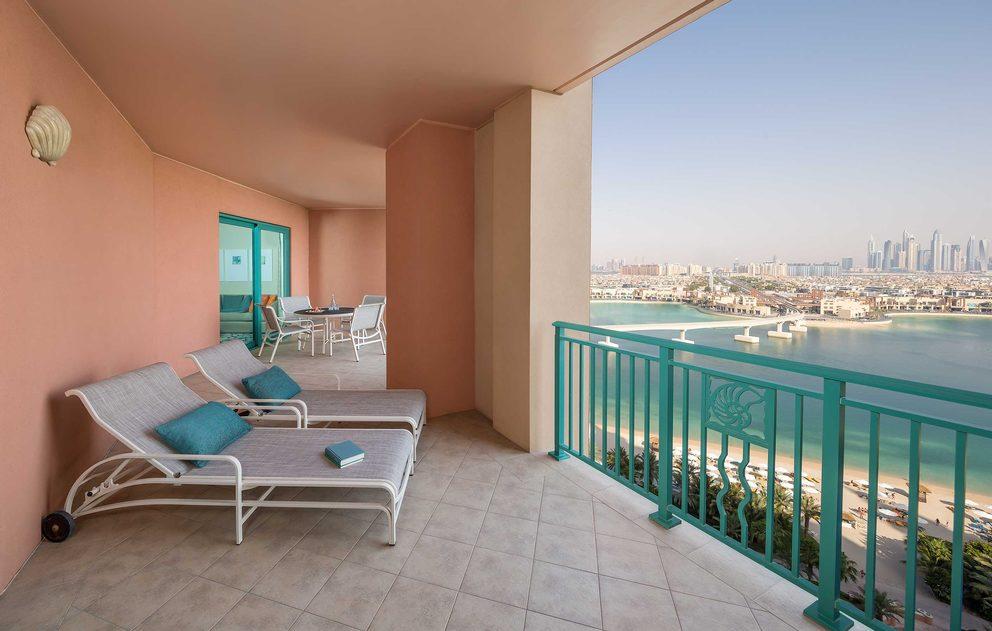 Terrace Club Suite