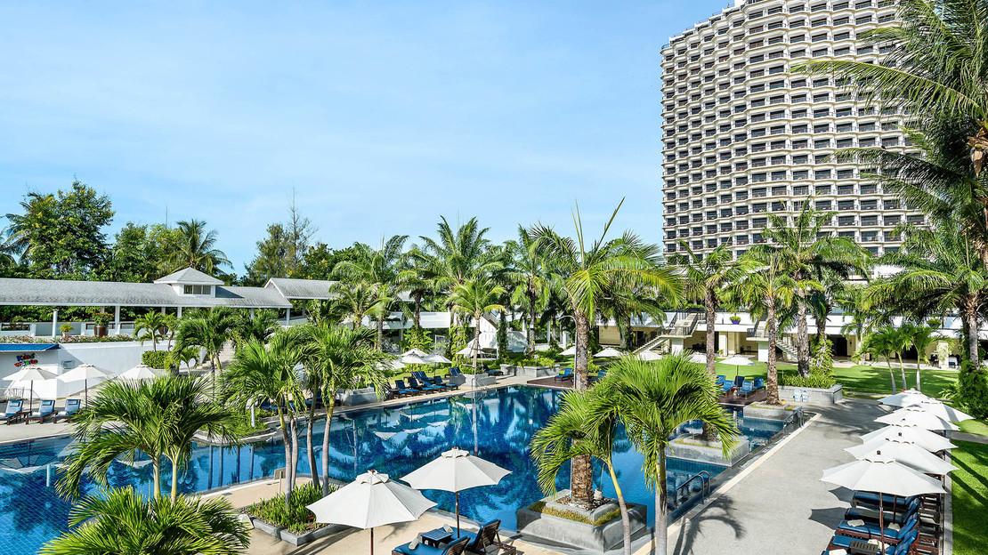 Novotel Hua Hin Cha Am Beach Resort and Spa Hotel