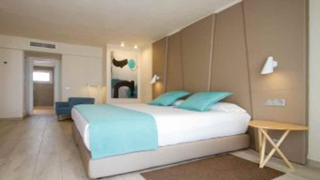 2 Bed Suites