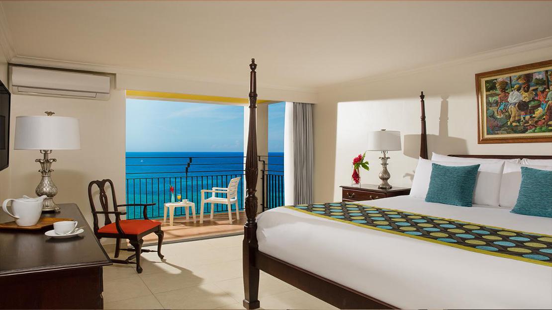 Sun Club Bedroom Suite Ocean Front